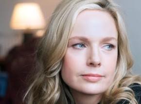 Julia Kelly author (1)